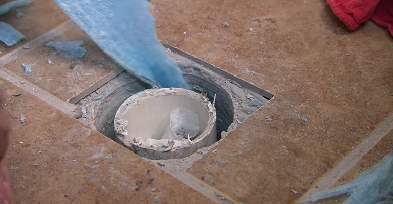 Block the Drainage Pipe Opening